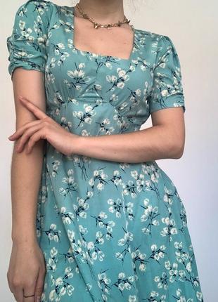Женское платье в цветочный принт от «atmosphere»
