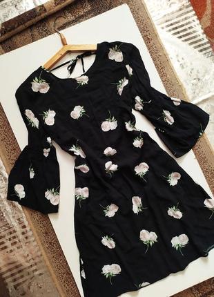 Роскошное платье / рукава клёш / сукня / цветочный принт / винтажное