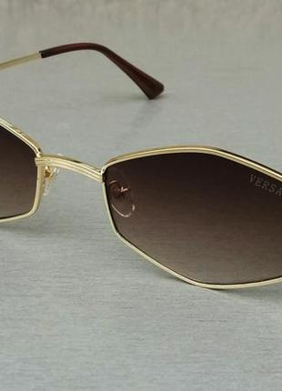 Versace стильные солнцезащитные очки унисекс кормчневый градиент в золотом металле