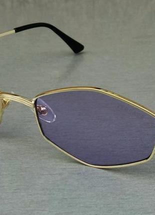 Versace стильные солнцезащитные очки унисекс сиреневые в золотой металлической оправе