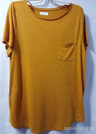 Легкая летняя футболка большого размера.