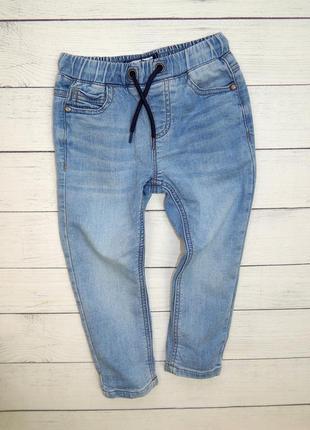 Стильные джинсы от next, для мальчика 2-3 года.