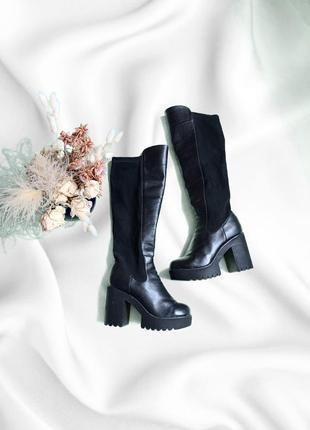 Кожаные чёрные ботфорты на толстом каблуке
