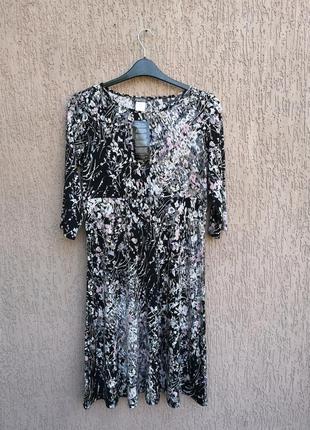 Новое стрейчевое платье сукня міді kim&co