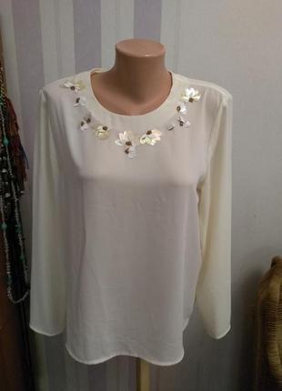 Светлая  блузка блуза