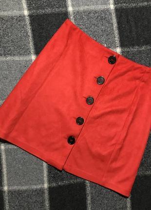 Женская красная юбка на пуговицах primark