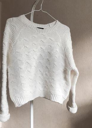 Мега объёмный вязаный свитер