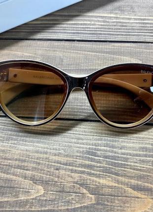 Солнцезащитные очки лисички
