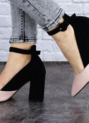 Стильные удобные туфли с ремешком на устойчивом каблуке