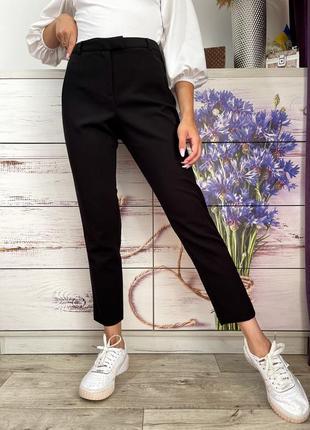 Классические чёрные зауженные брюки на высокой посадке 1+1=3