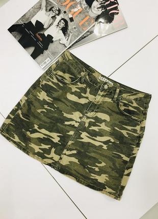 Стильная джинсовая мини юбка милитари военный стиль с эффектом потертости denim co