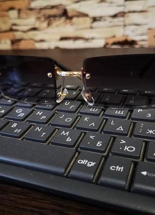 Тренд 2021 солнцезащитные очки