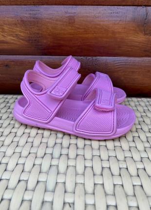 Детские сандали фирменные босоножки 24 размер 25