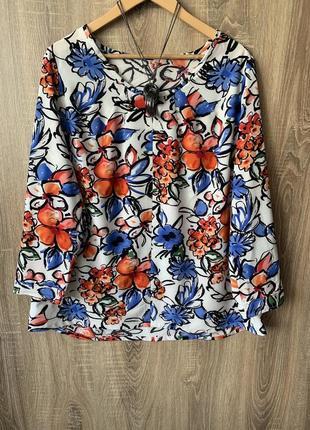 Блуза в цветочки