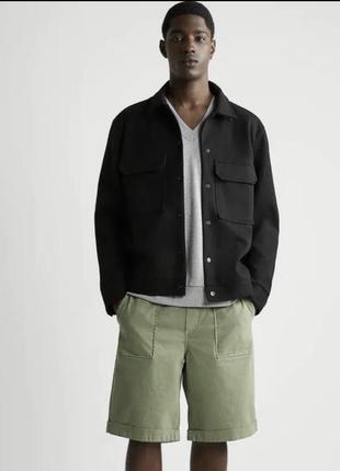 Чоловіча чорна куртка на закльопки