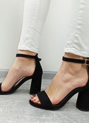 Босоножки женские черные на каблуке sale