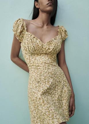 Милое льняное платье