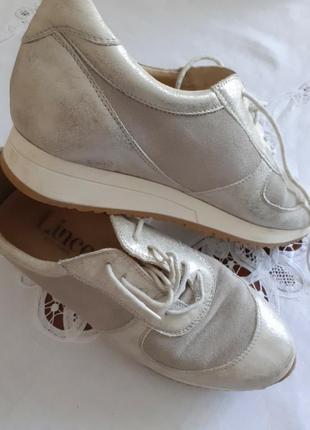 Кросівки щкіряні