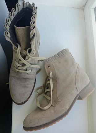 Демисезонные натуральные ботинки на шнуровке minni&berry