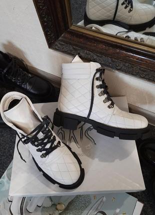 Кожаные женские стеганые ботинки на шнуровке натуральная кожа