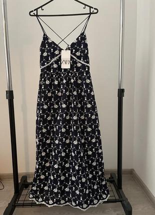 Сукня з вишивкою zara