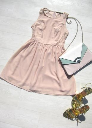 Платье new look розовое пудровое шифоновое с гипюровыми вставками