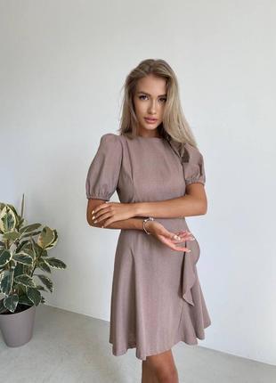 Стильное платье лён с открытой спиной в цветах в наличии