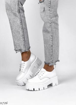 Туфли-броги женские. натуральная кожа.