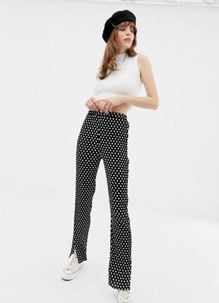 Легкие брюки плиссе в горошек от glamorous curve