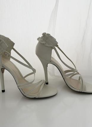 Босоножки-туфли. кожа