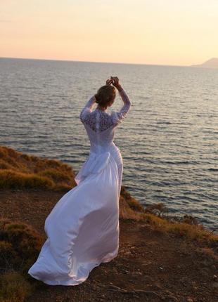 Винтаж. свадебное платье с шлейфом xxs закрытое белое длинное
