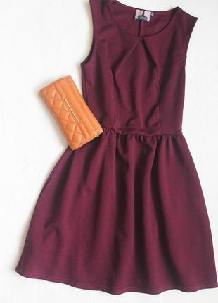 Красивое фактурное платье сливового цвета, размер s
