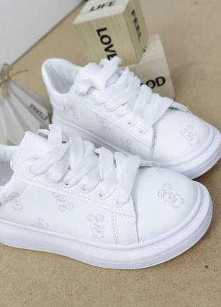 Женские кроссовки кожаные белые, женские кроссовки на массивной подошве, молодежные кроссовки экокожа, молодежные кроссовки с мишками