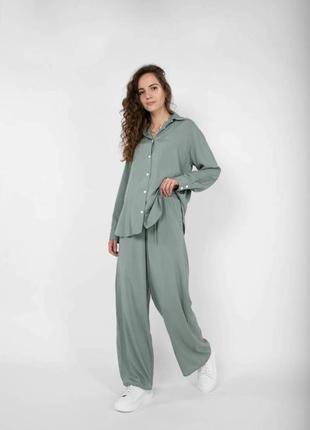 Женский повседневный костюм фисташковый легкий летний модный удобный красивый трендовый свободная рубашка штаны свободные с карманами
