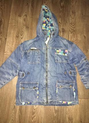 Классная джинсовка, джинсовая куртка. демисезон.