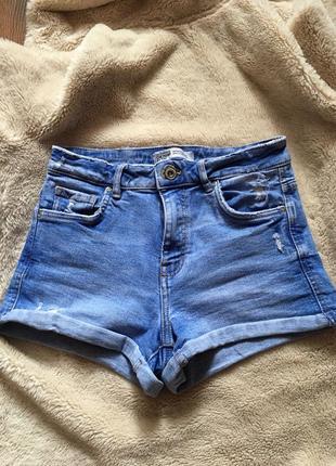 Шорты джинсовые с подворотами zara свежая коллекция