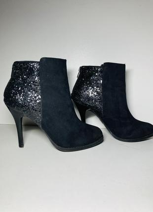 Демисезонные ботинки ботильоны на шпильке чёрные женские 35 размер