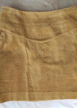 Велюровая юбка горчичного цвета