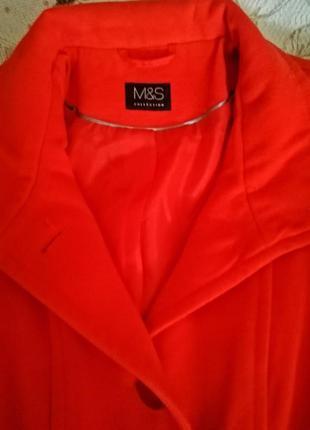 Красивое яркое пальто 44-48 р marks&spenset