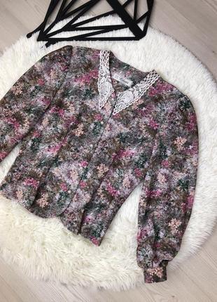 Блузка в ретро стиле