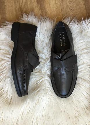 Новые натур. кожаные туфли на липучках мокасины шоколадного цвета