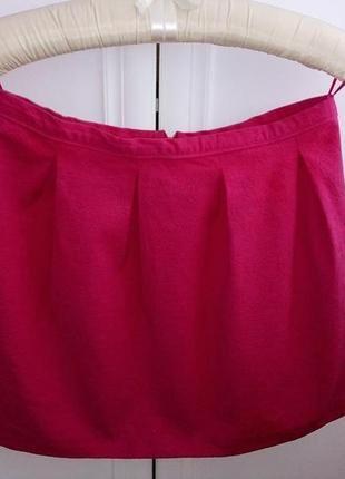 Яркая юбка с плотной ткани