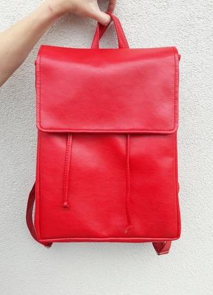 Стильный, вместительный женский  красный рюкзак для школы
