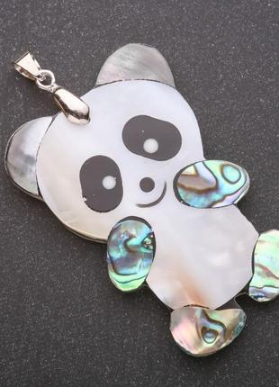 Кулон из перламутра и халиотиса панда
