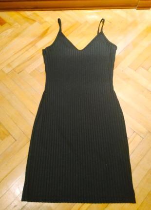 Маленькое чёрное платье prettylittlething