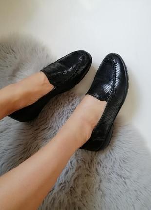 Женские кожаные мокасины слипоны туфли низкий ход 41р