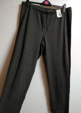 Актуальные спортивные штаны 52-54 размера сток
