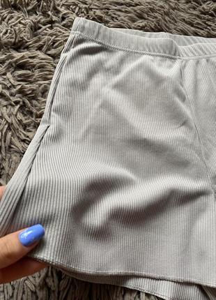 Фирменные шорты в рубчик4 фото