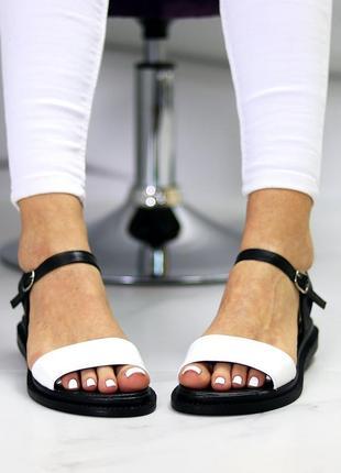 Универсальные черно-белые кожаные женские босоножки натуральная кожа6 фото