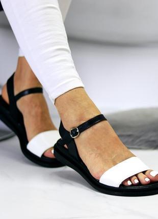 Универсальные черно-белые кожаные женские босоножки натуральная кожа8 фото